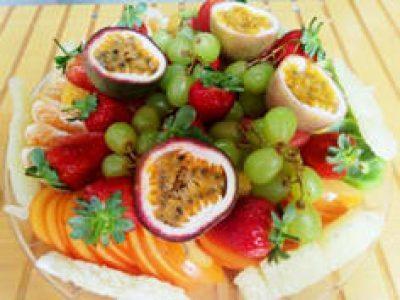 מגש פירות סנדבינצי מגשי אירוח